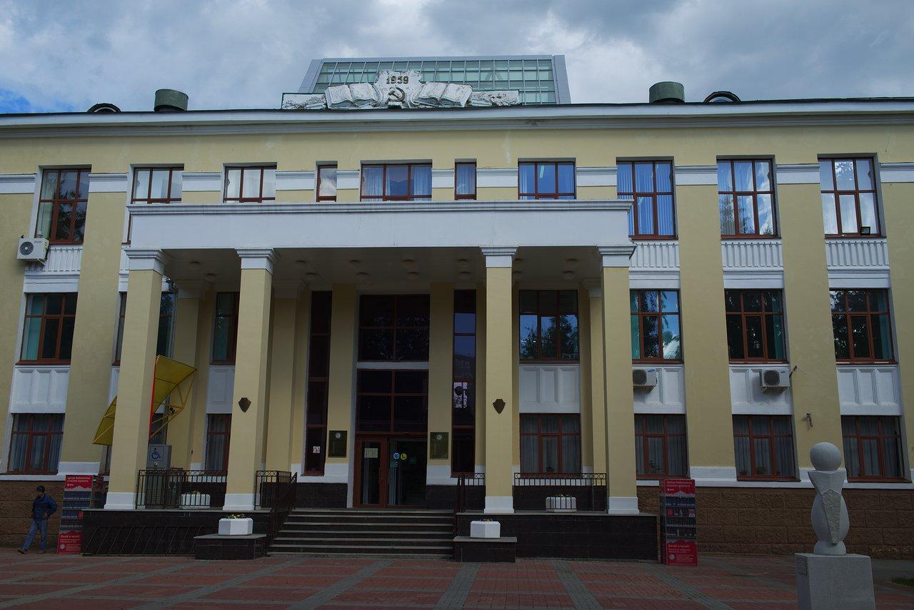 「ソビエト」っぽい建物