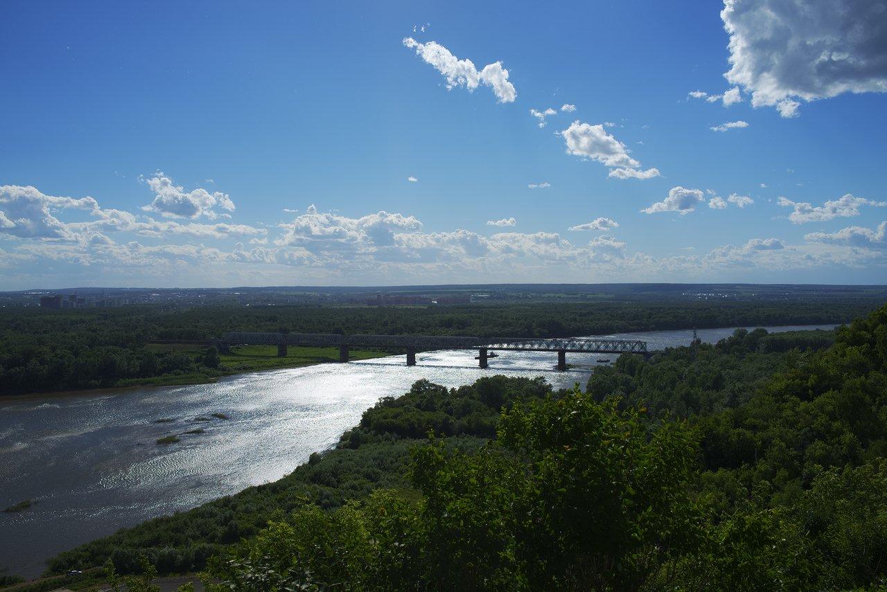 ベラヤ川と広大な森