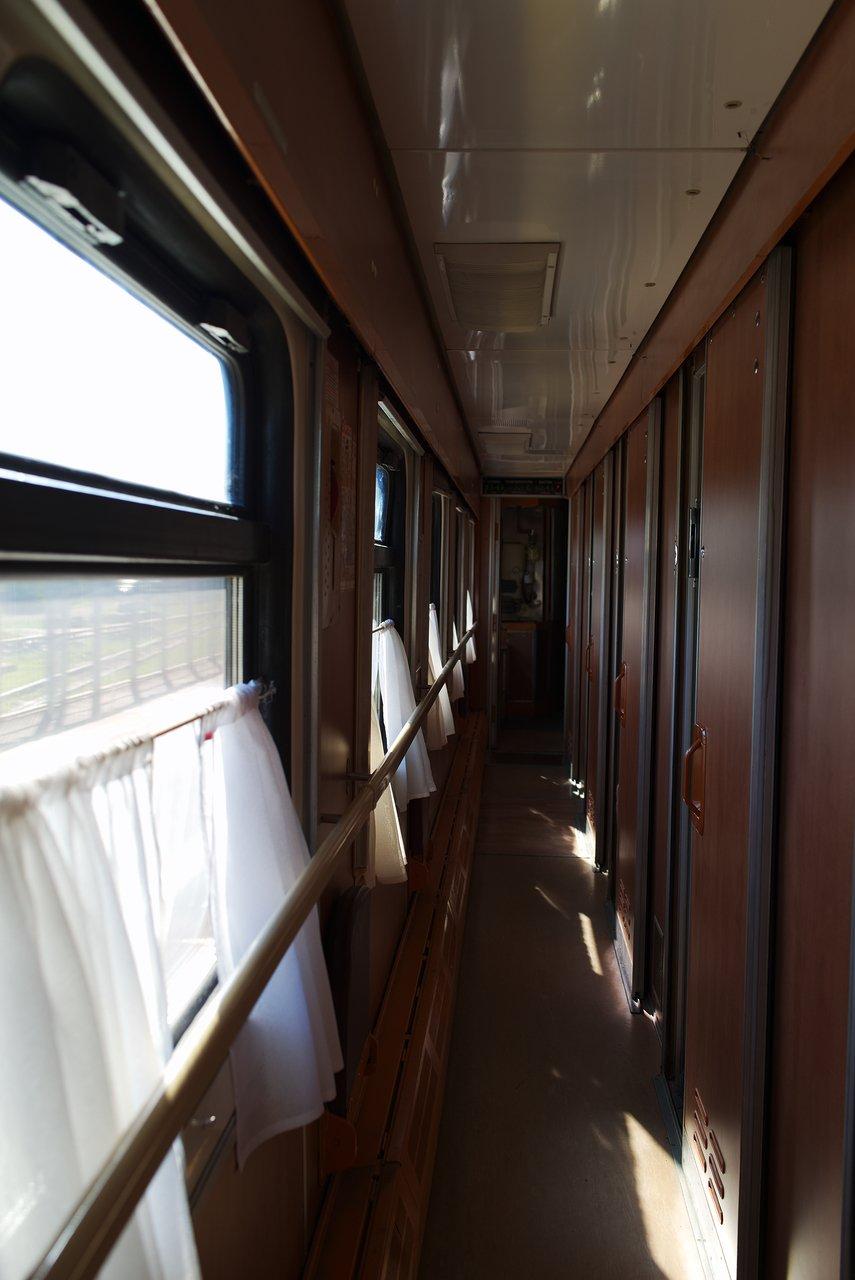寝台列車(2等)の車内