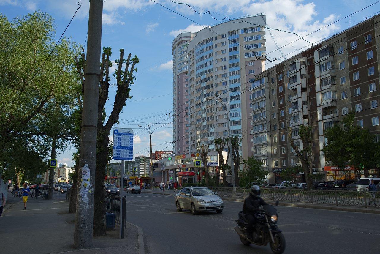 宿泊しているアパートメントと近くのバス停