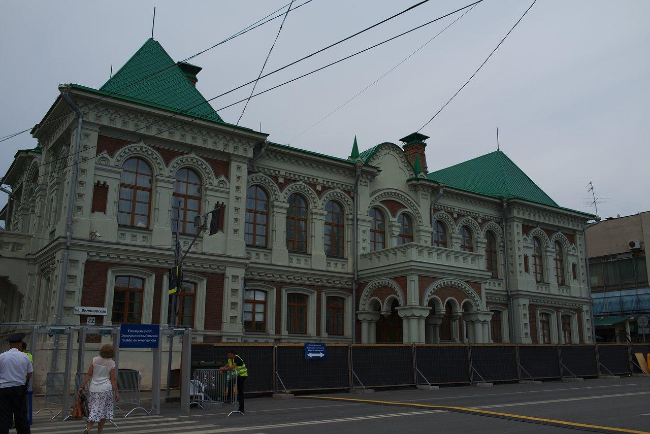 パブリックビューイング会場の隣にあった建物