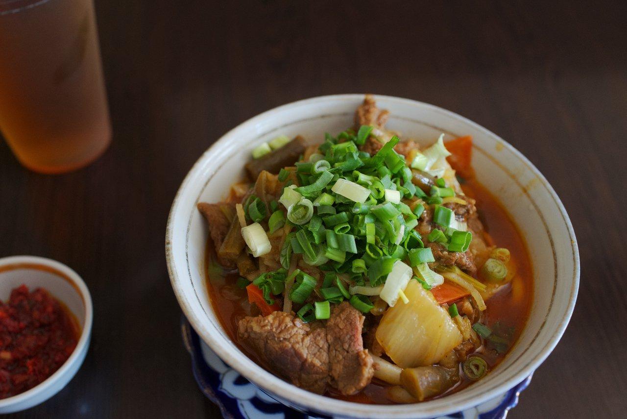 ウズベキスタン料理の「ラグマン」といううどんみたいな麺料理