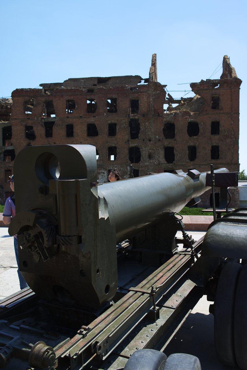 高射砲と旧製粉所
